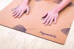 "tapis de yoga ""Gingko"" en liège et caoutchouc naturel"
