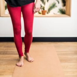 tapis de yoga de voyage en liège et caoutchouc : éco-responsable et éthique