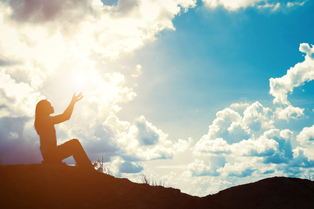 yogini dehors yogamatata
