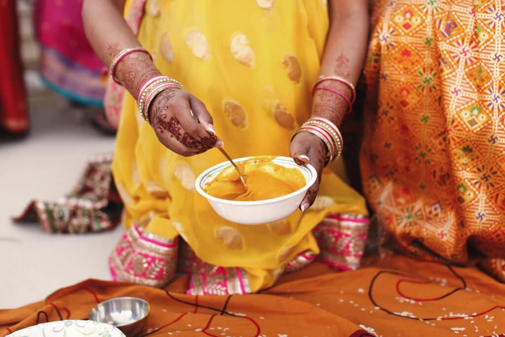 Le curcuma, épice traditionnelle de l'ayurveda et ingrédient star de la recette du lait d'or