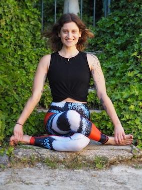 U'est-ce que le yinyasa yoga ? Amalia Bayer, cours de Yinyasa Yoga